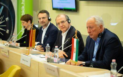 In der Kammer wurde eine deutsche Informationsstelle eingerichtet, um die Wirtschaftsbeziehungen zu fördern