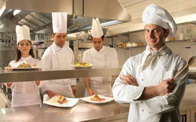 A turizmus-vendéglátás ágazatba tartozó szakmák esetében is megkezdődött a szakképzési munkaszerződések kötése